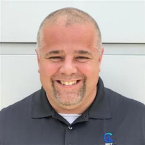 Profile Picture of Tom Villa